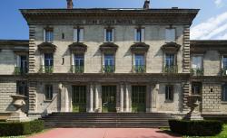Façade historique du lycée. Copyright P. Lemaître, Région Rhône-Alpes.